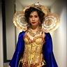 Photo #2 - Queen B