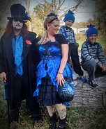 Alice in Wonderland Family Costume Ideas