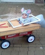 Cutest Halloween costumes for babies - Baby Mouse Caught in Mouse Trap Costume