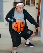 Costume ideas for pregnant women - Basketball Player Halloween Costume