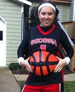 Costume ideas for pregnant women - Basketbelly Player Costume