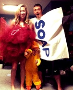 Fun family Halloween costume ideas - Bathtime Fun Family Costume