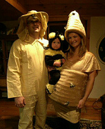 Family costume ideas - Beehive, little Bee and Beekeper