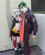 Coolest couples Halloween costumes - Bombshell Harley Quinn and Fighter Pilot Joker Costume