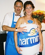 Couples Halloween costume idea: Charmin and Mr. Whipple Costume