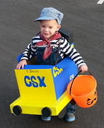 DIY baby costume ideas: Daddy's CSX Train Costume