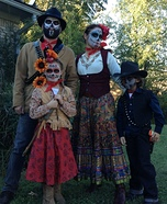 Family costume ideas - Day of the Dead Family Costume