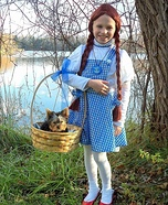 Costume ideas for pets and their owners: Dorothy and Toto Halloween Costume