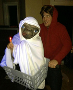 Couples Halloween costume idea: E.T. and Elliot Couples Halloween Costume