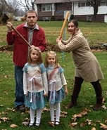 Fun family Halloween costume ideas - The Shining Movie Family Costume