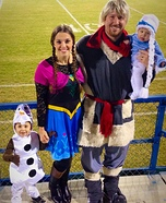 Fun family Halloween costume ideas - Homemade Frozen Family Costume