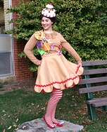 Creative DIY Costume Ideas for Women - Gingerbread Girl Costume