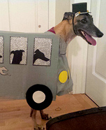 Creative costume ideas for dogs: DIY Greyhound Bus Dog Costume