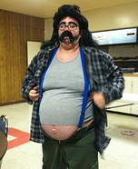 Costume ideas for pregnant women - Hillbilly with a Beer Gut Costume