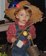 Cutest Halloween costumes for babies - Huckleberry Finn Costume Idea for Boys