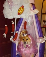 Creative costume ideas for dogs: I Dream of Weenies Dog Costume