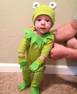 Costume ideas for baby's first Halloween - Kermit the Frog Baby Costume