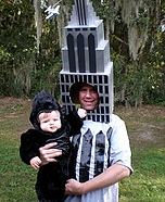 DIY matching costumes for babies and parents - King Kong and the Empire State Building
