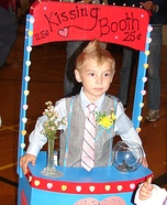 DIY Kissing Booth Costume