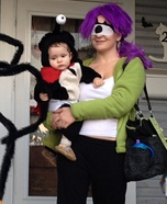 Parent and baby costume ideas - Futurama Leela and Nibbler Costume