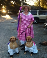 Costume ideas for pets and their owners: Little Bo Peep and Sheep Costume
