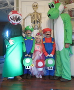 Fun family Halloween costume ideas - Mario Family Costumes