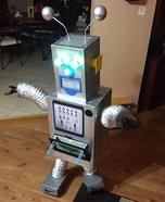 MAS-O-BOT Robot Homemade Costume