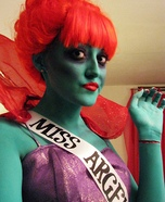 Creative DIY Costume Ideas for Women - Beetlejuice Miss Argentina Costume