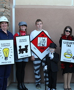 Family costume ideas - Monopoly Family Costume