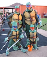Family costume ideas - Ninja Turtle Family Costume