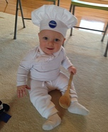 DIY baby costume ideas: Pillsbury Dough Boy Baby Costume