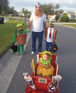 Fun family Halloween costume ideas - Plants vs. Zombies Costumes