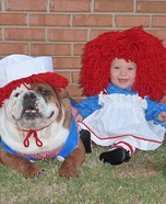 Costume ideas for pets and their owners: Cute Raggedy Ann and Andy Costume