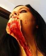 Scary Halloween costume ideas - Ripped Throat Zombie Halloween Costume