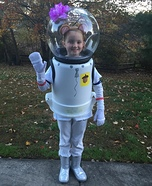 Halloween costume ideas for girls: SpongeBob Sandy Costume