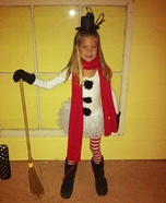 Halloween costume ideas for girls: Snowman Beauty Homemade Costume