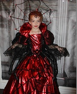 Halloween costume ideas for girls: Spider Queen Homemade Costume