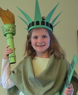 Halloween costume ideas for girls: Statue of Liberty Homemade Costume