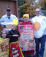 Fun family Halloween costume ideas - The Breakfast Club Family Homemade Costume