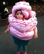 Creative homemade costumes for babies - Homemade Cupcake Chil'd Costume