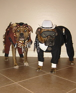 Creative costume ideas for dogs: The Lone Hound and Tonta