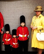 Family costume ideas - The Queen and her Royal Guards Halloween Costume