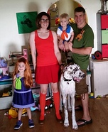 The Scooby Doo Gang Family Homemade Costume