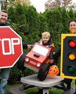 Fun family Halloween costume ideas - The Traffic Family Homemade Costume