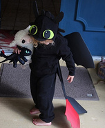 DIY baby costume ideas: Toothless Dragon Baby Costume