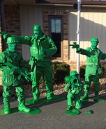 Fun family Halloween costume ideas - Toy Soldiers Family Costume