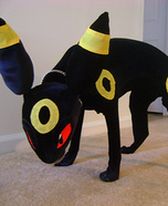 Creative costume ideas for dogs: Homemade Umbreon Costume for Dogs
