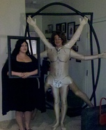 Couples Halloween costume idea: Vitruvian Man and Mona Lisa Halloween Costume