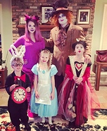 Wild's Wonderland - Alice in Wonderland Family Costume