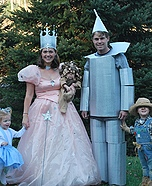 Family costume ideas - The Wizard of Oz Family Costume